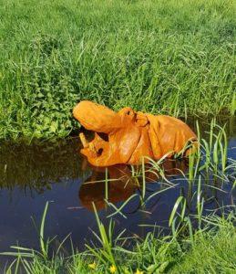 floating hippo, acrylic 1, happy hippo, tuinbeeld, vijver beeld, drijvend beeld, sculpture hippo